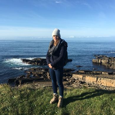 Alexandra Werner an der Küste